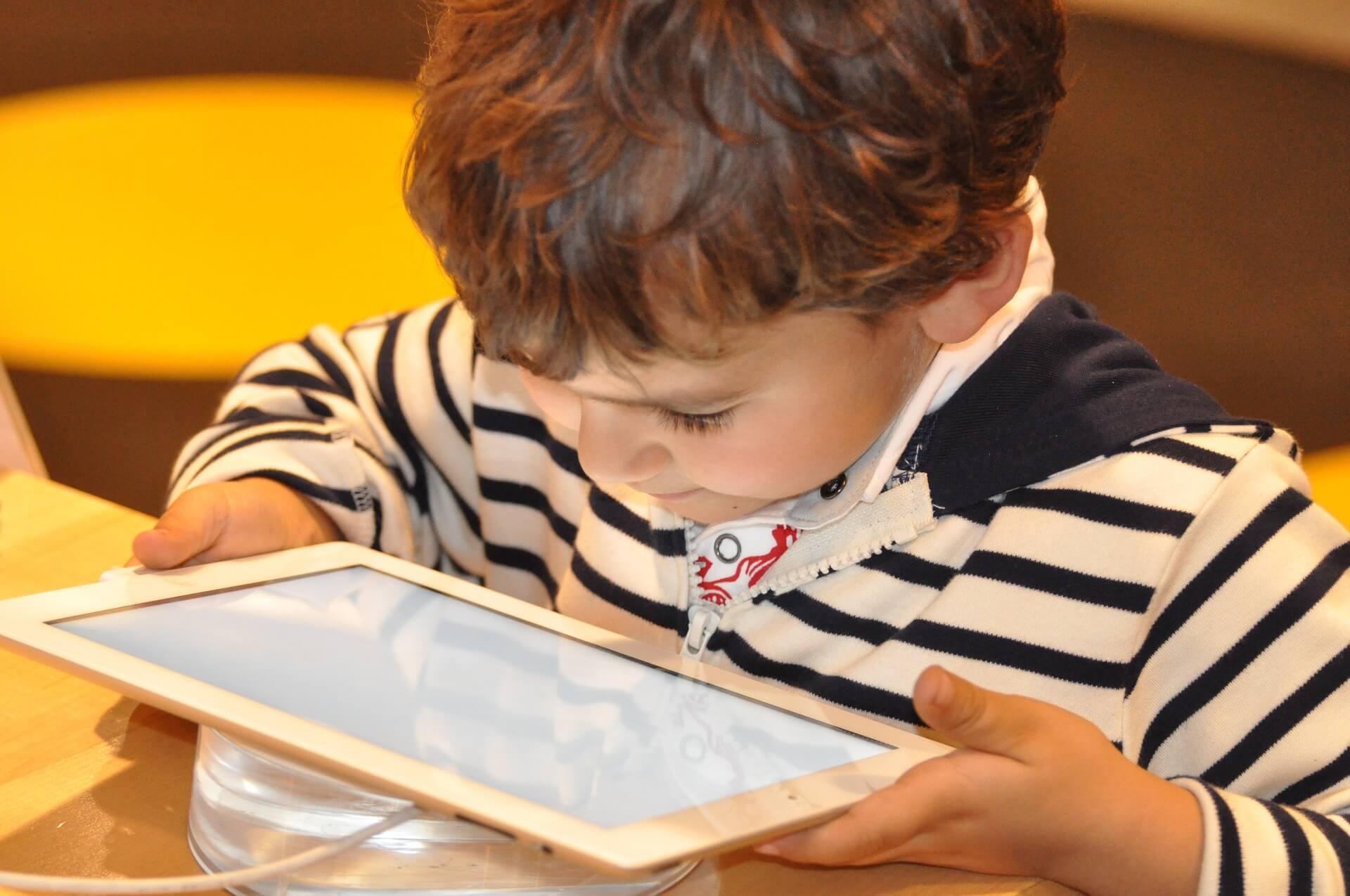 a-que-edad-dejamos-que-los-ninos-usen-la-tecnologia